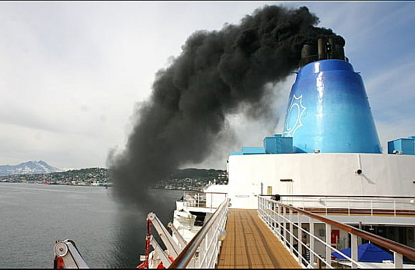 imagem de poluição por navio