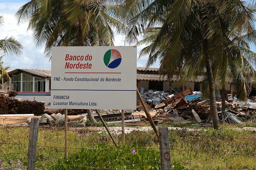 Sul da Bahia, campeão em desmatamento da Mata Atlântica, placa do banco do nordeste
