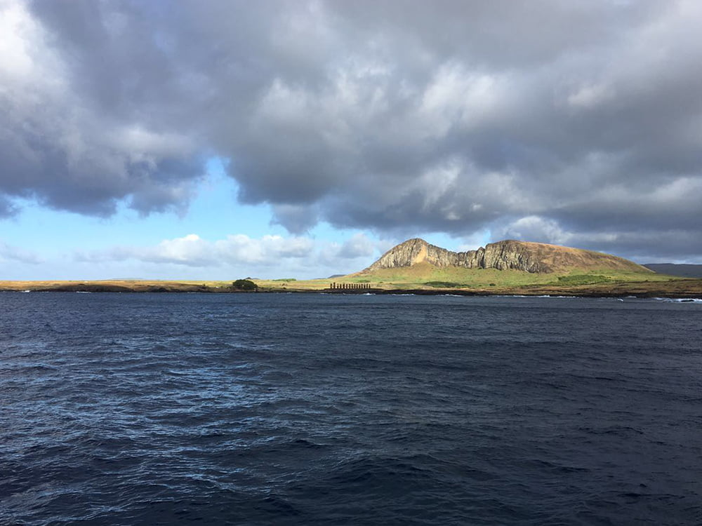Viagem da Kika, diário de bordo Nº 6, imagem da ilha de páscoa