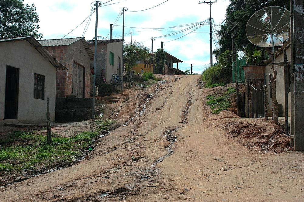 Sul da Bahia, campeão em desmatamento da Mata Atlântica, imagem de favelização em Trancoso