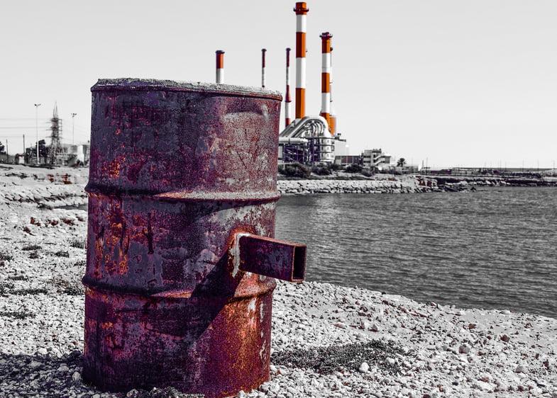 As três maiores ameaças aos Oceanos, imagem de poluição química dos oceanos