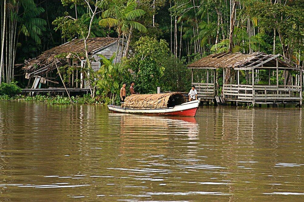 Litoral de Macapá até Belém, imagem de canoa