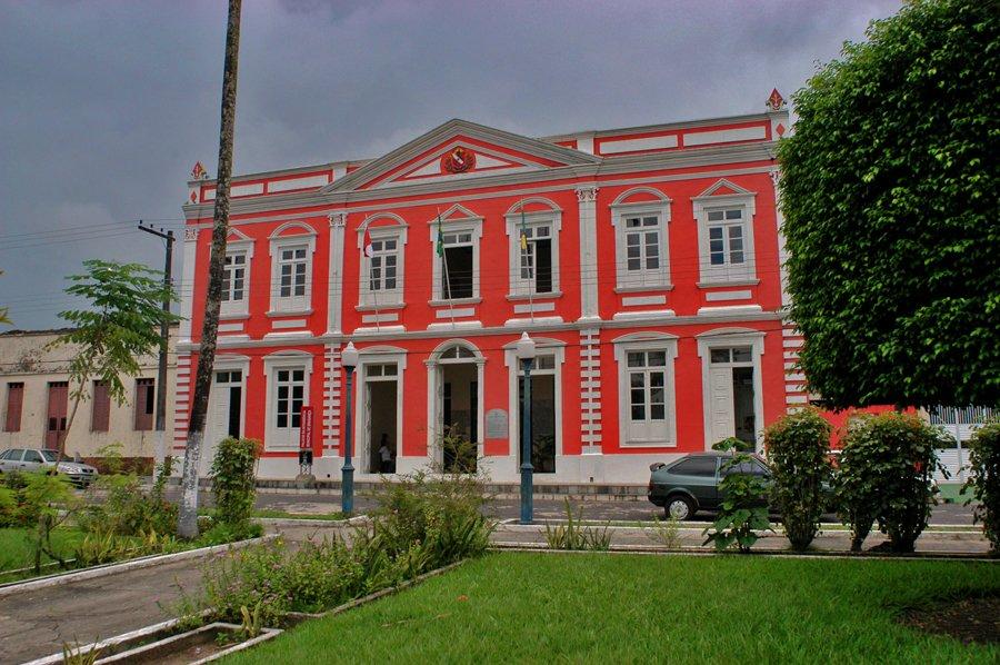 imagem do prédio da prefeitura de Bragança, Pará