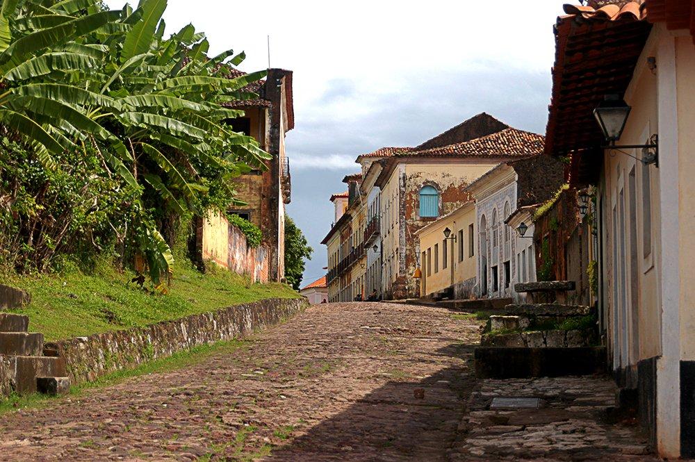 imagem de rua em Alcântara no litoral de São Luís