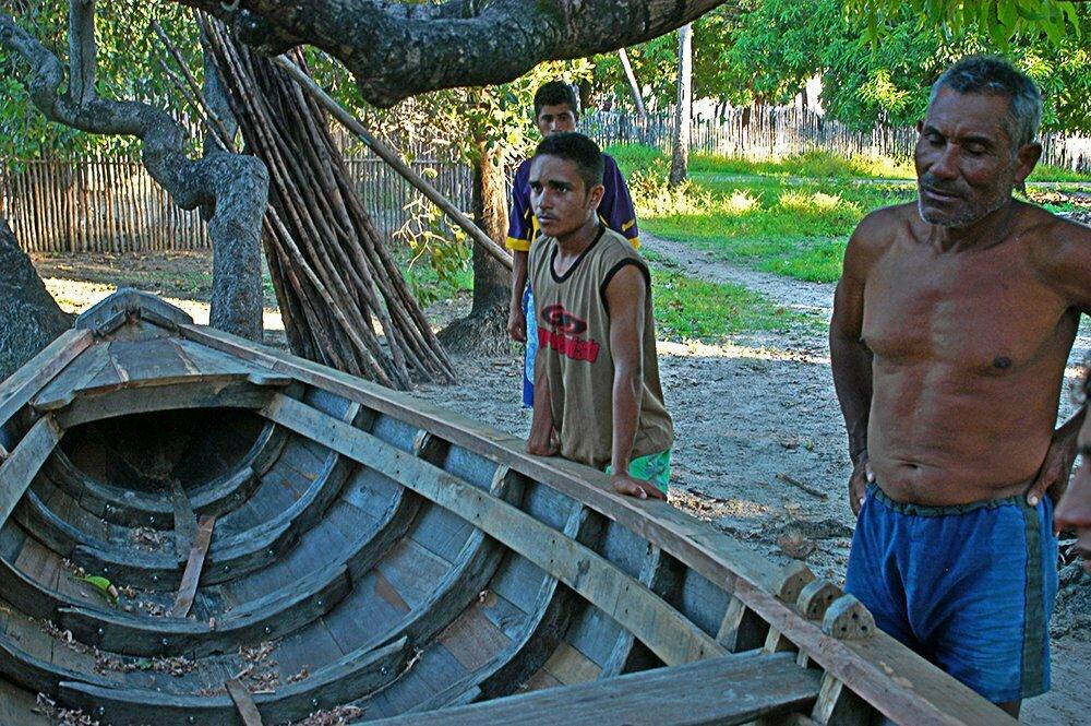 Litoral Norte do Maranhão, imagem de construção de canoa