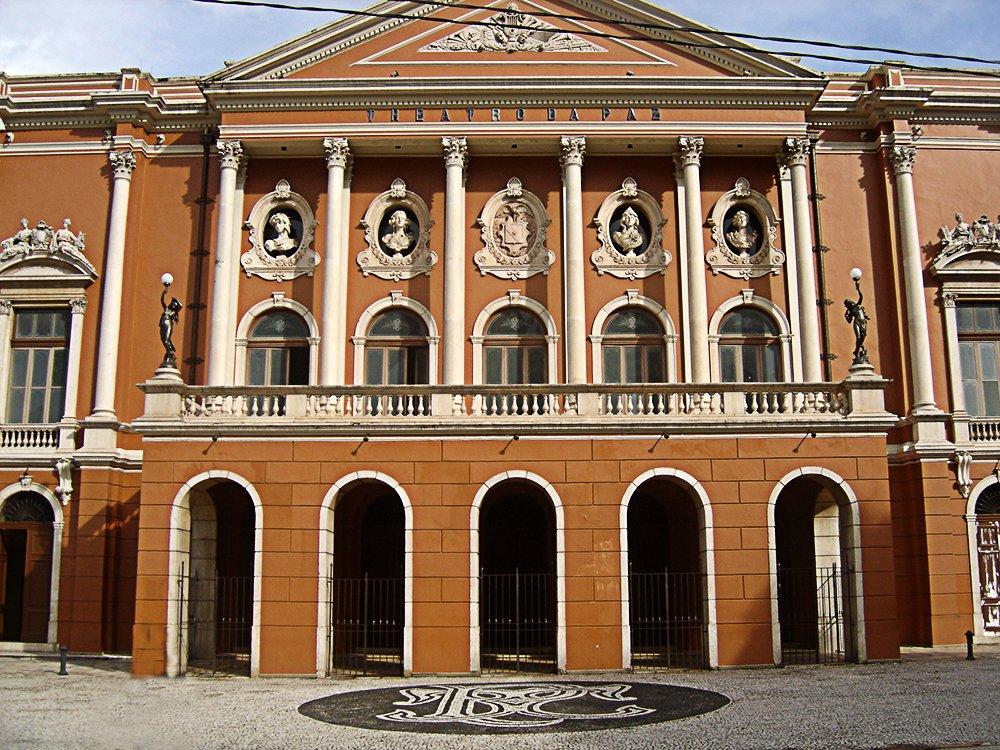 Litoral de Belém e llha de Marajó, imagem do teatro da paz, belém