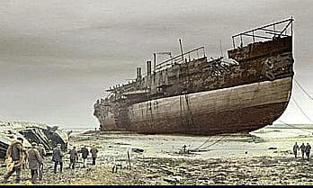 SS Great Eastern, imagem do SS Great Eastern jogado numa praia de Liverpool