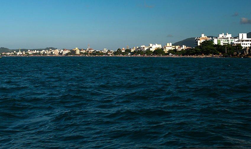 Jurerê Internaiconal, imagem da praia Cachoeira de Bom Jesus, florianópolis