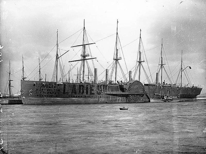SS Great Eastern, imagem do navio SS Great Eastern no porto de Dublin