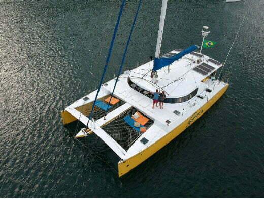 imagem do catamarã Guruçá assaltado em Camamu, Bahia
