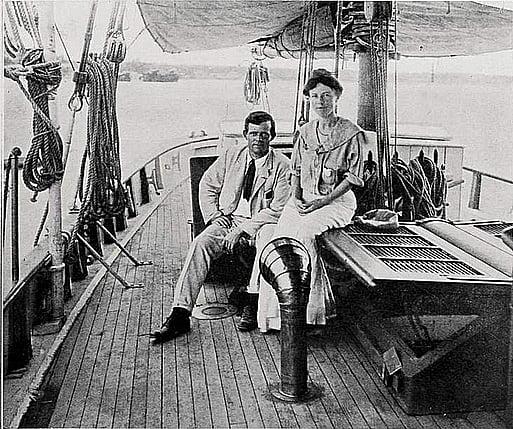 imagem do casal jack Londo a bordo do snark