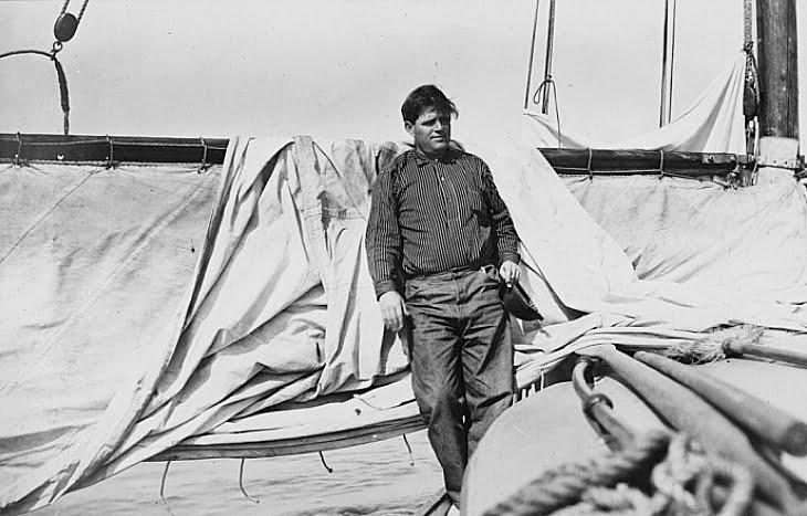 imagem de jack london em seu veleiro Snark