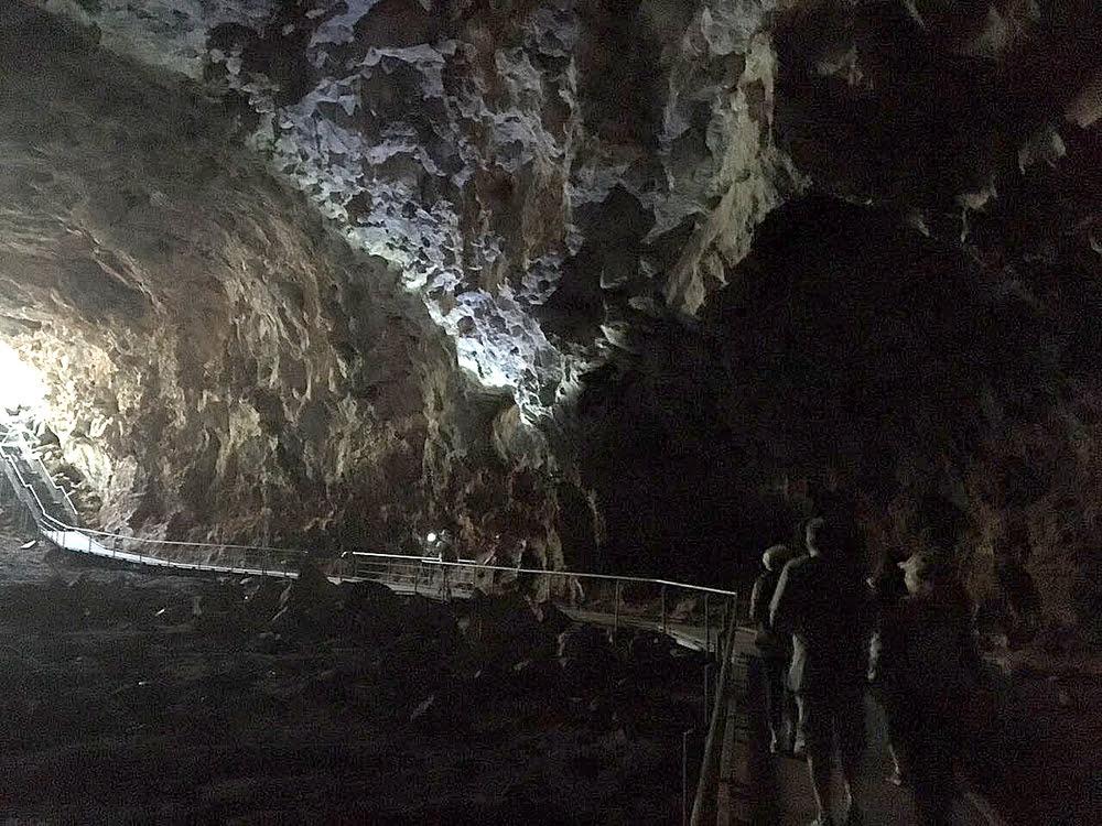 imagem de túneis de lava na Viagem da Kika, diário de bordo Nº 8