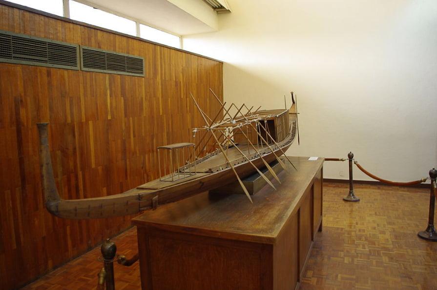 imagem do barco de Khofu ao tempo dos Egípcios e a navegação