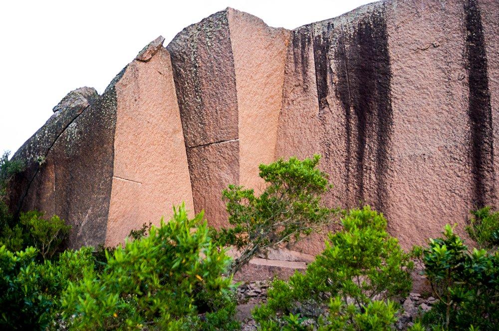imagem de granito do Parque Estadual de Itapuã