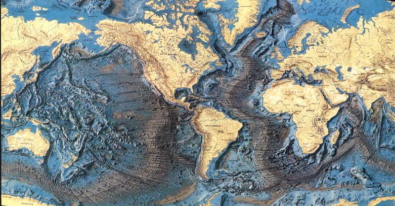 Mapa mundi mostrando a Cadeia Dorsal Mesoatlântica