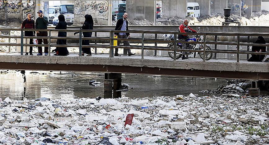 imagem da poluição do rio Nilo