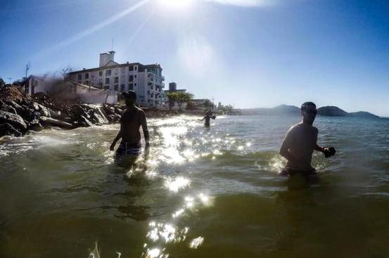 imagem da praia dos Ingleses e erosão Litoral de santa catarina