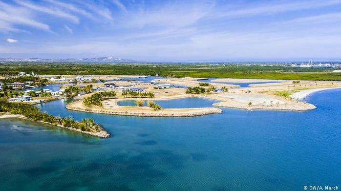 imagem de resort em ilha artificial na República das Fíji