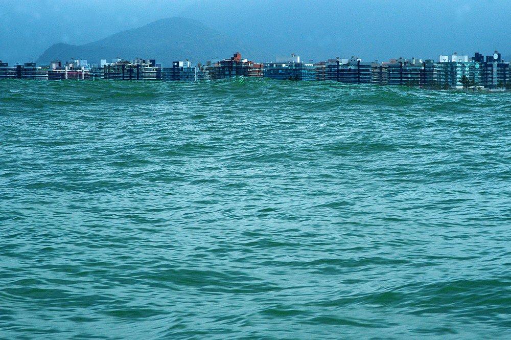 imagem de espigões na Riviera de São Lourenço, litoral norte de São Paulo