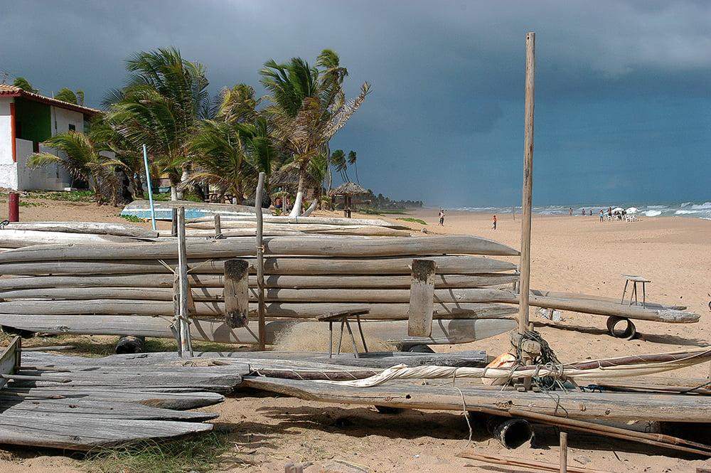 imagem de jangadas em praia