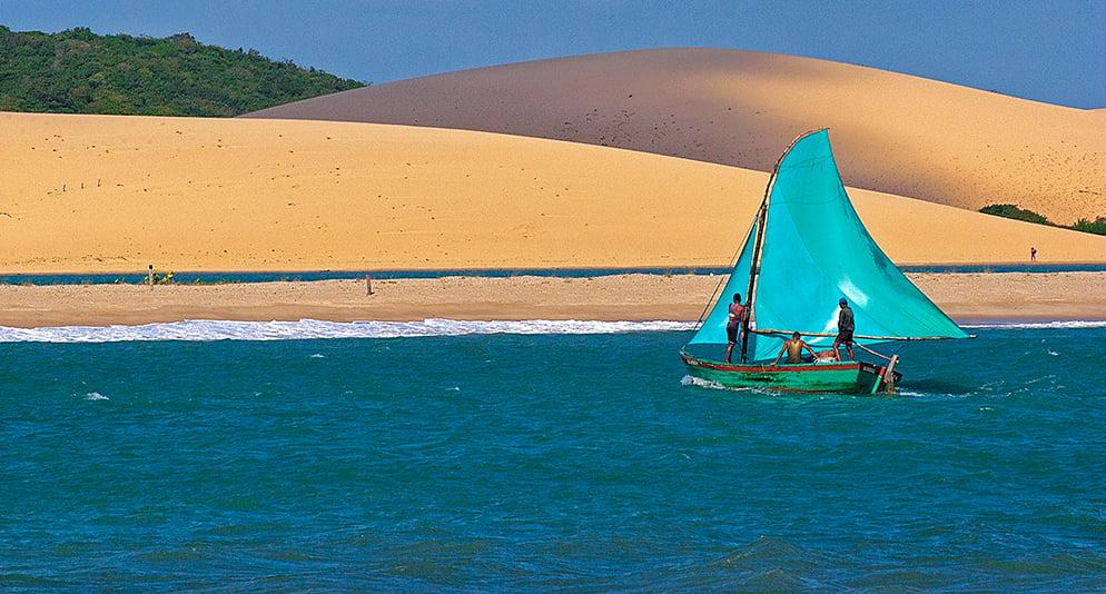 imagem de dunas em Mundaú, Ceará