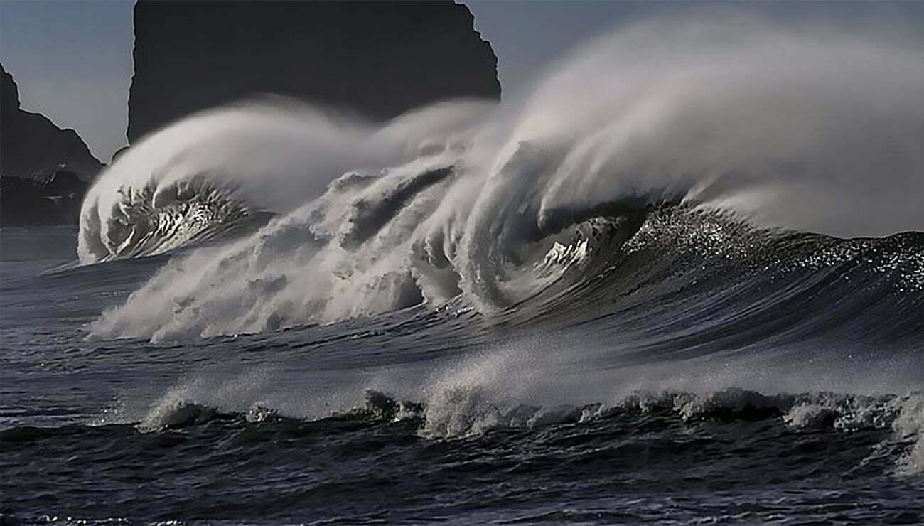 imagem de onda monstruosa