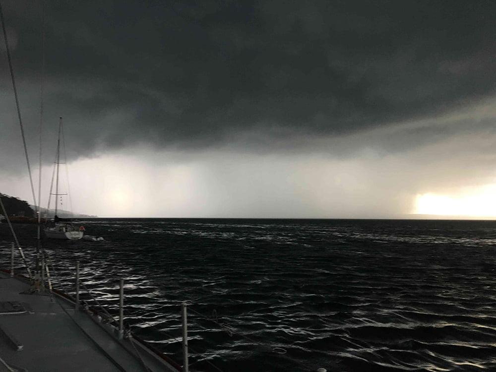 imagem de tempestade no mar