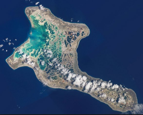 Imagem do atol Kiritimati, o maior do mundo