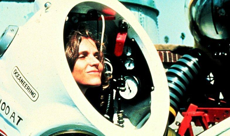 imagem de Sylvia Earle dentro de um mini- submarino