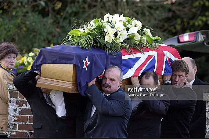 imagem do funeral de sir Peter Blake