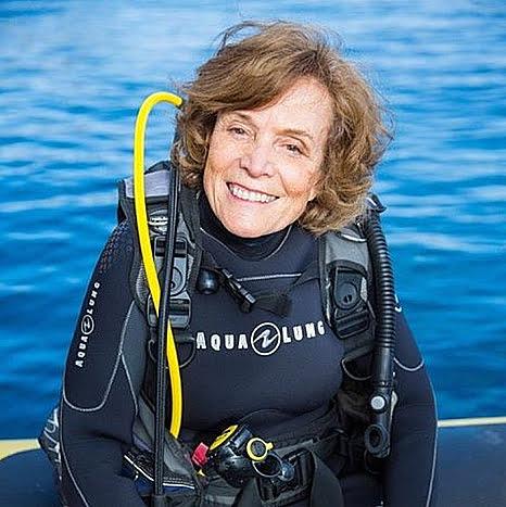 imagem de Sylvia Earle com roupa de mergulho, uma das maiores defensoras dos Mares e oceanos