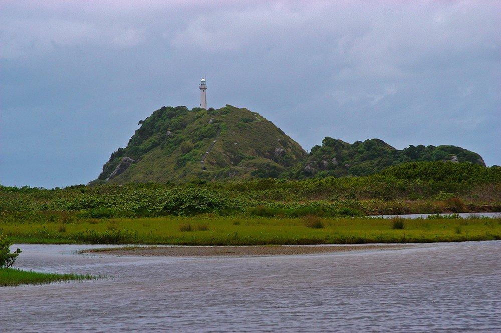 imagem do Farols das Conhas, na ilha do Mel