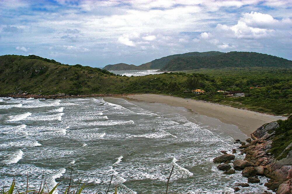 imagem da praia de Fora, na ilha do Mel