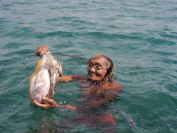imagem de mergulhadora de bajau