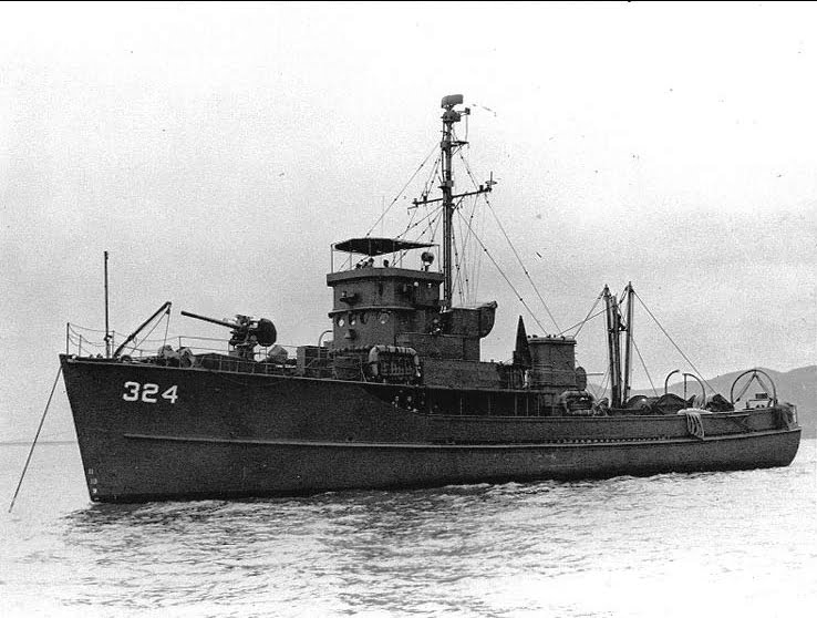 imagem do caça- minas que se tornaria famoso como Calypso, navio de jacques cousteau