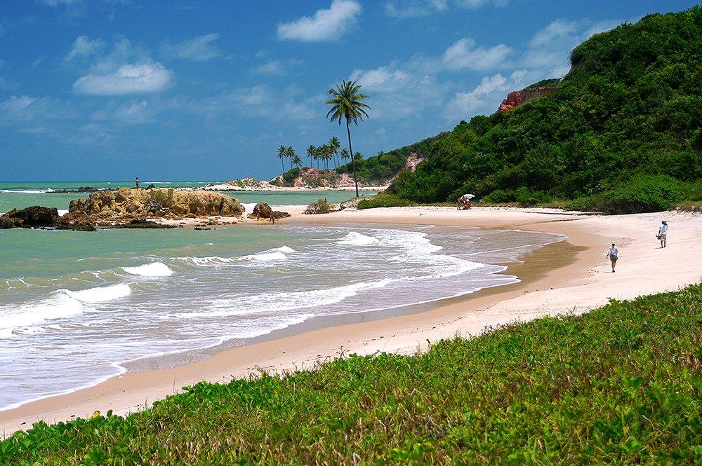 imagem da praia de Tabatinga no litoral da Paraíba