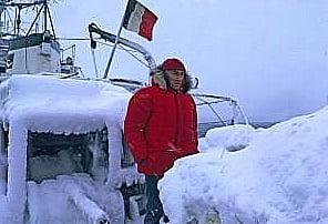 imagem de Jacques Cousteau na Antártica