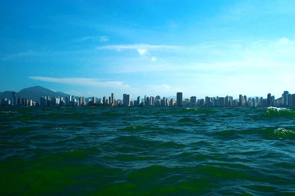 imagem do balneário Camboriú destruído pela especulação
