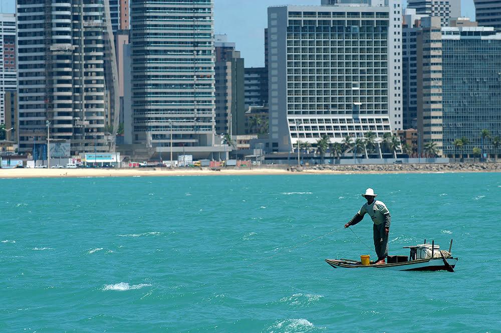 imagem de praia em Fortaleza, cerará