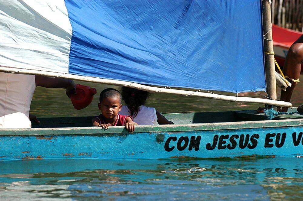 imagem de canoa do São Francisco do diário de bordo Litorais de Alagoas e Sergipe
