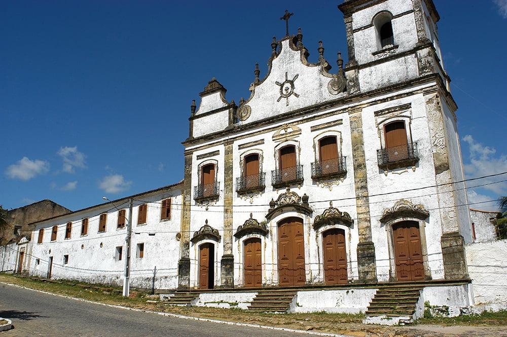 imagem da igreja Cosme e Damião, litoral de Pernambuco
