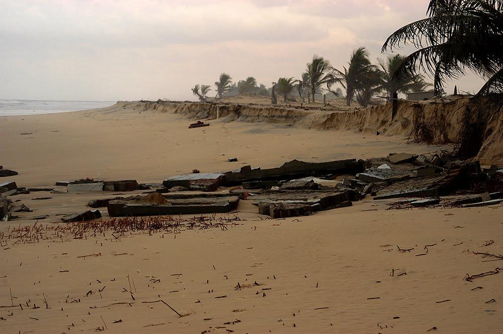 imagem da praia de Pirambu, sergipe
