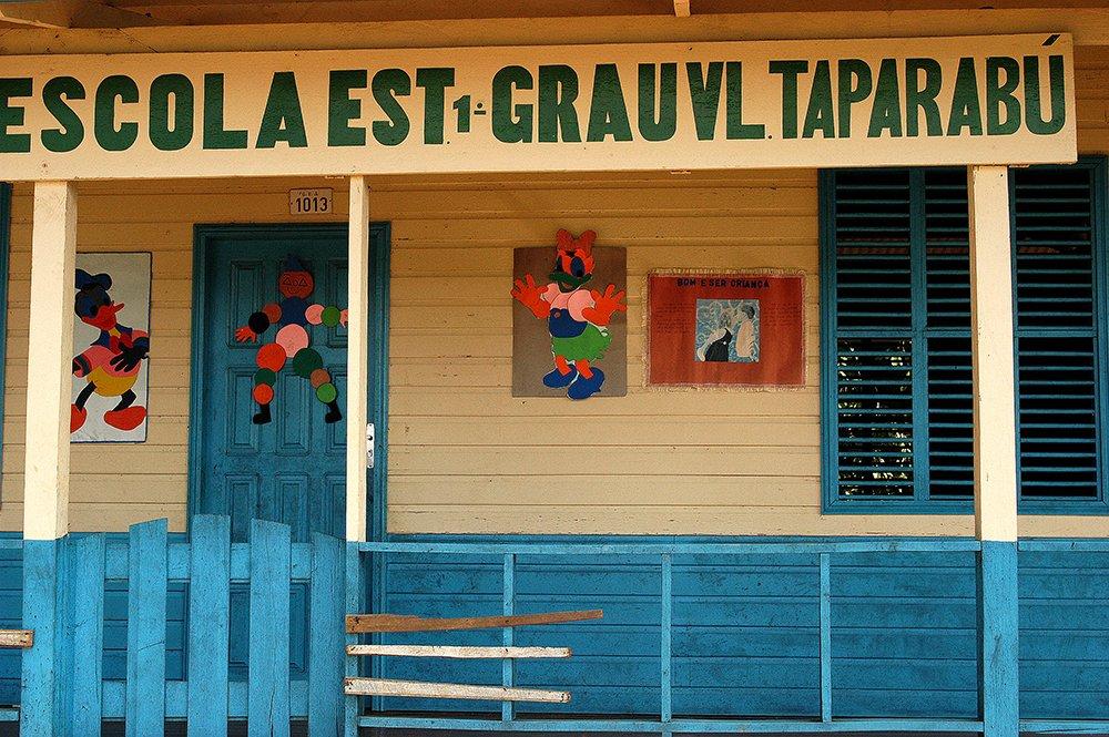 imagem de escola em Taparabu, litoral do Amapá