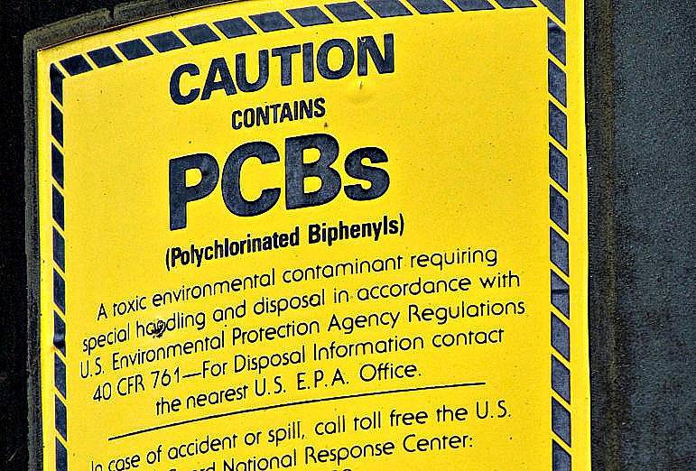 image de cartaz proibido uso de PCBs