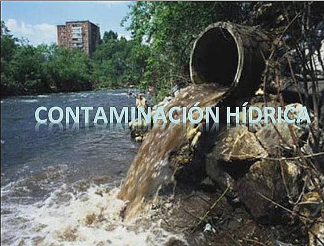 Imagem de poluição hídrica