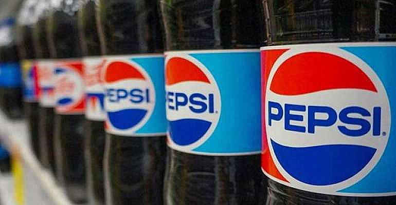 imagem de garrafas da pepsi