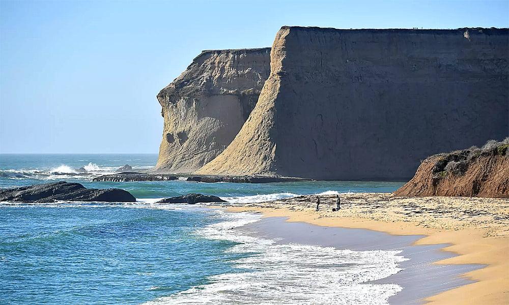 imagem de praia privada na califórnia