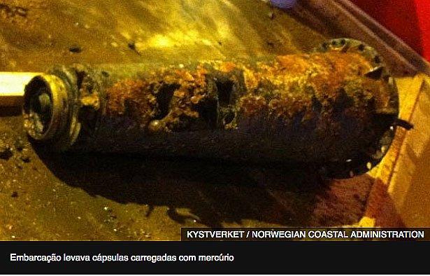 imagem de garrafa enferrujada com mercúrio no fundo do litoral da noruega