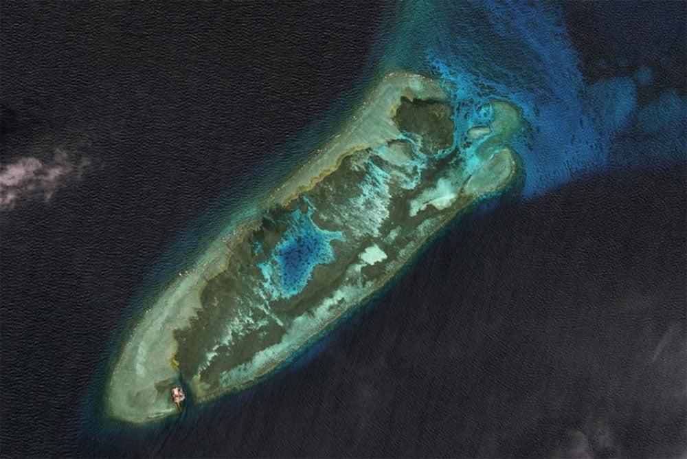 imagem de ilha artificial Fiery Cross Reef em 2015